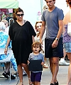 kourtney-kardashian-mason-scott-062312-_28329.jpg