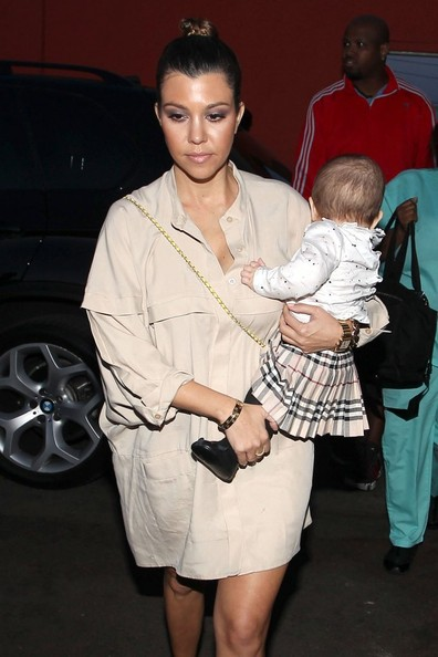 Kourtney+Kardashian+Kardashian+Family+Out+z3m-cVQZAtfl